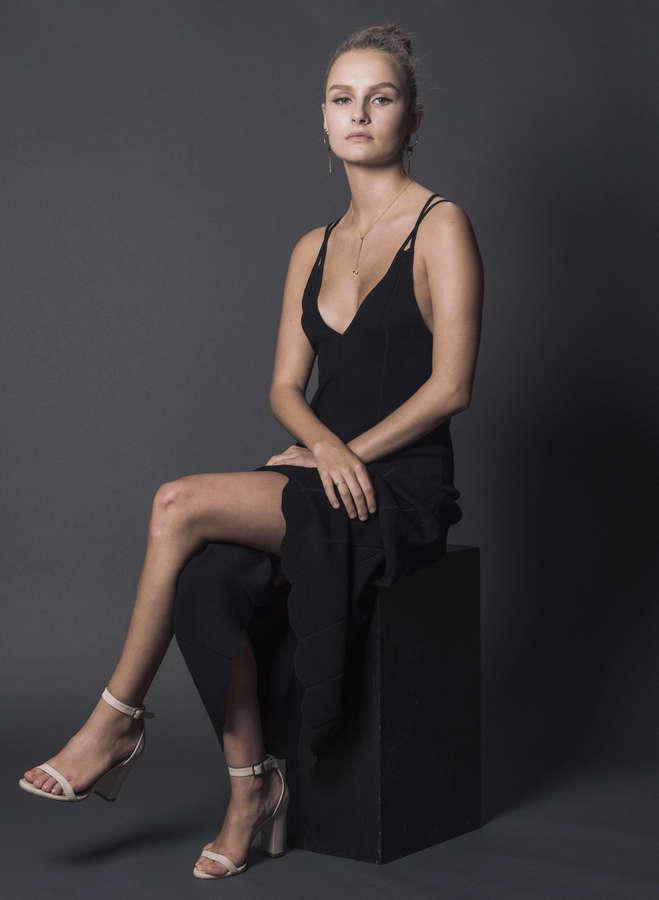 Olivia DeJonge Feet