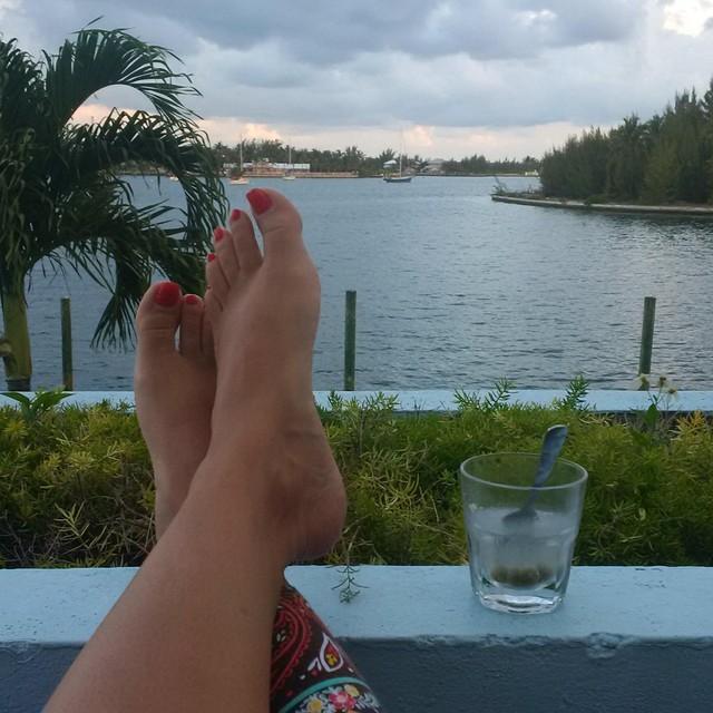 Kimberley Locke Feet