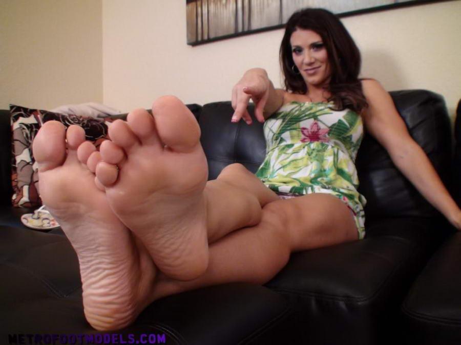 Leena Sky Feet