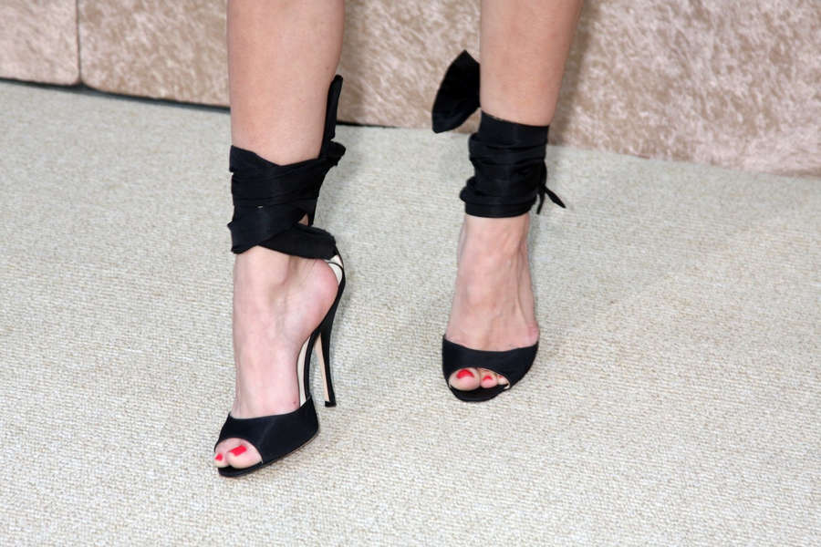 Alexis Dziena Feet