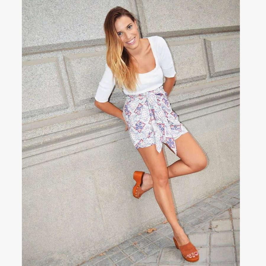Flora Gonzalez Feet