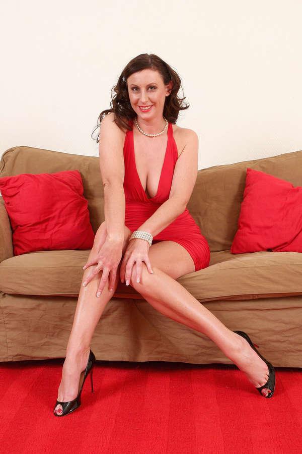 Lara Latex Feet