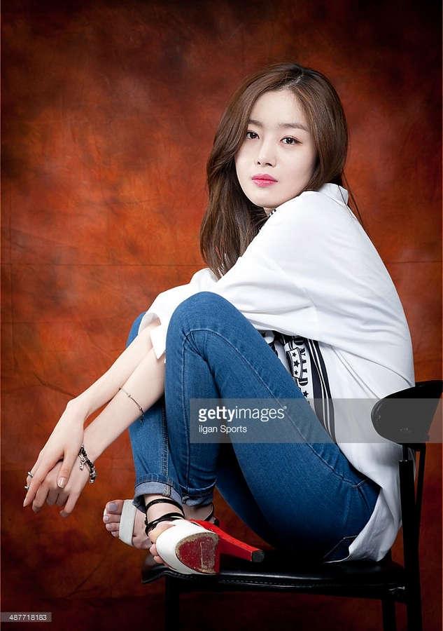Sun Hwa Han Feet