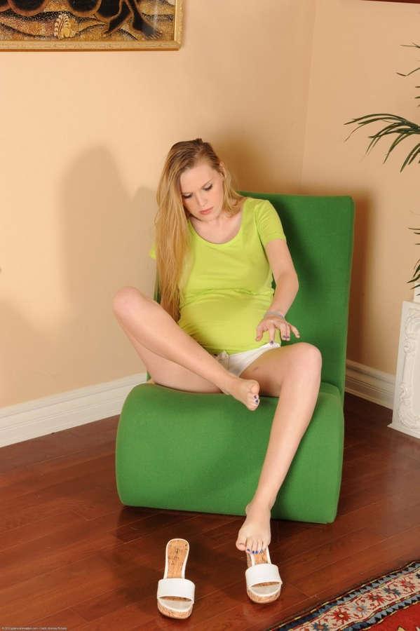 Amanda Bryant Feet
