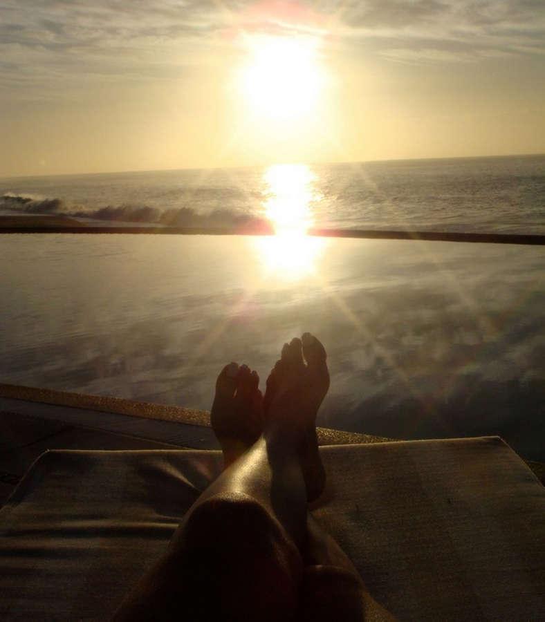 Liz Lieu Feet