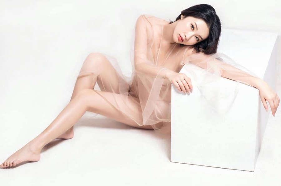 Yichun Chen Feet