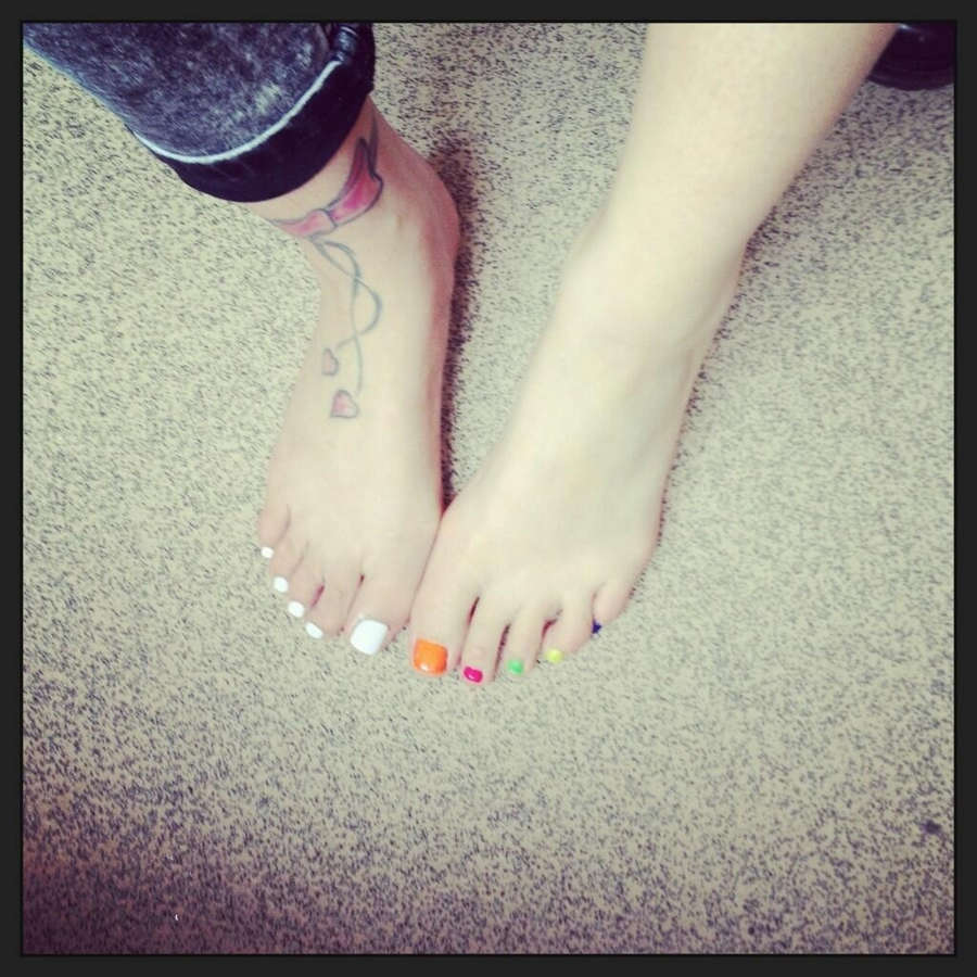 Ella Jolie Feet