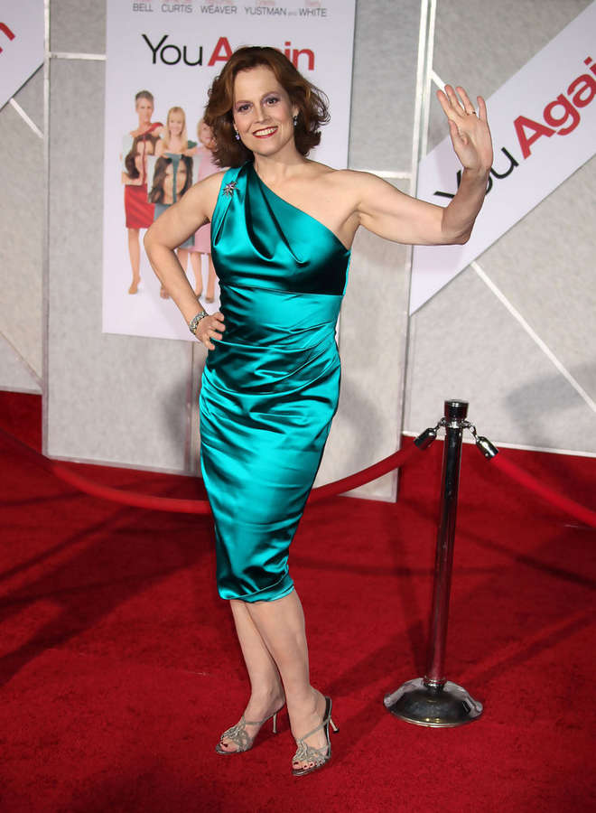 list of awards and nominations received by sigourney weaver - 751×1024