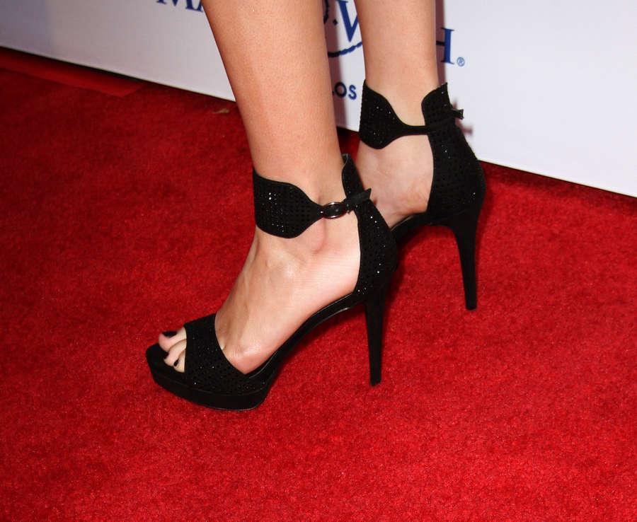 Amanda Steele Feet