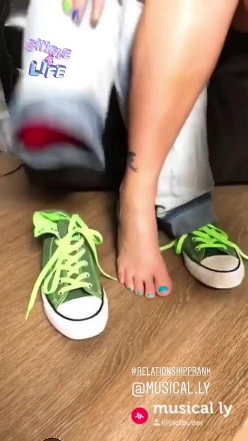 Jaci Butler Feet