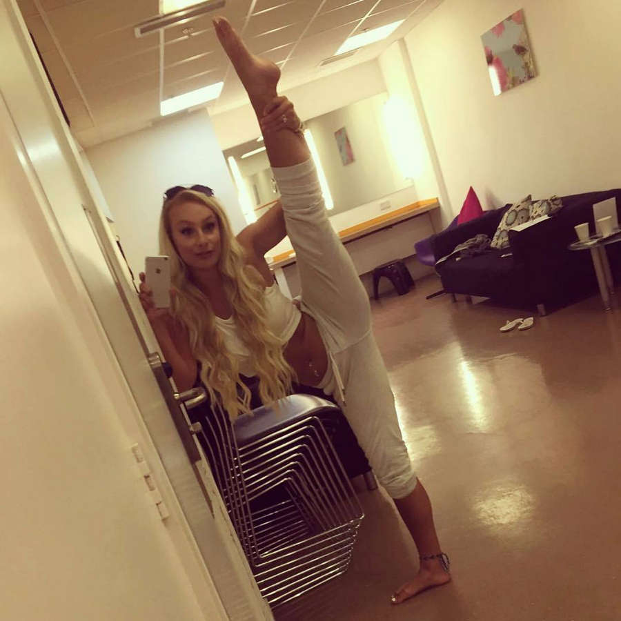 Lauren Edmunds Feet
