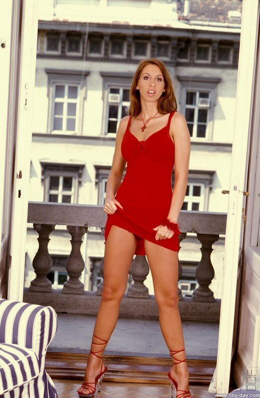 Lisa Sparkle Feet