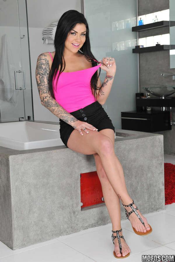 олтра девушка кармен карма с розовыми волосами онлайн своим
