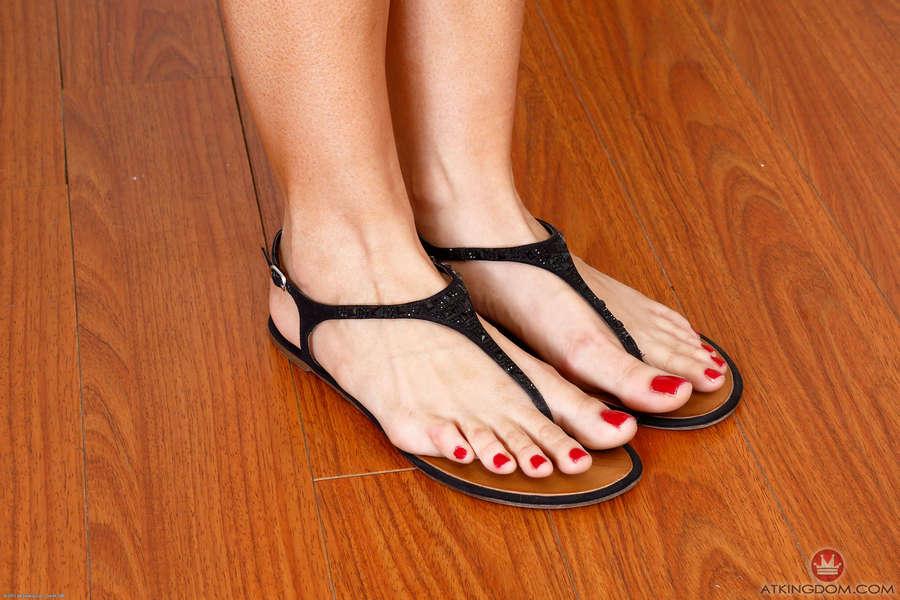 Kylie Sinner Feet
