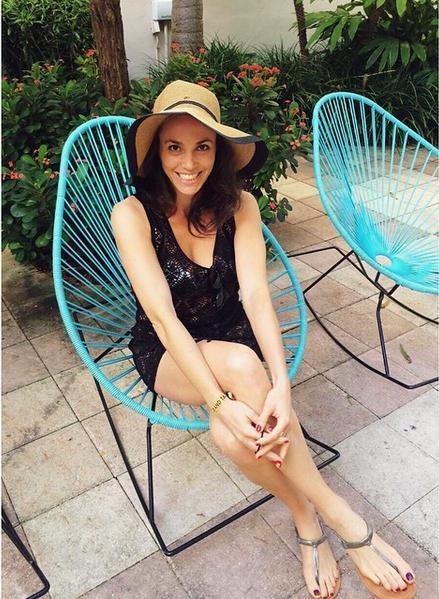 Aida Mollenkamp Feet