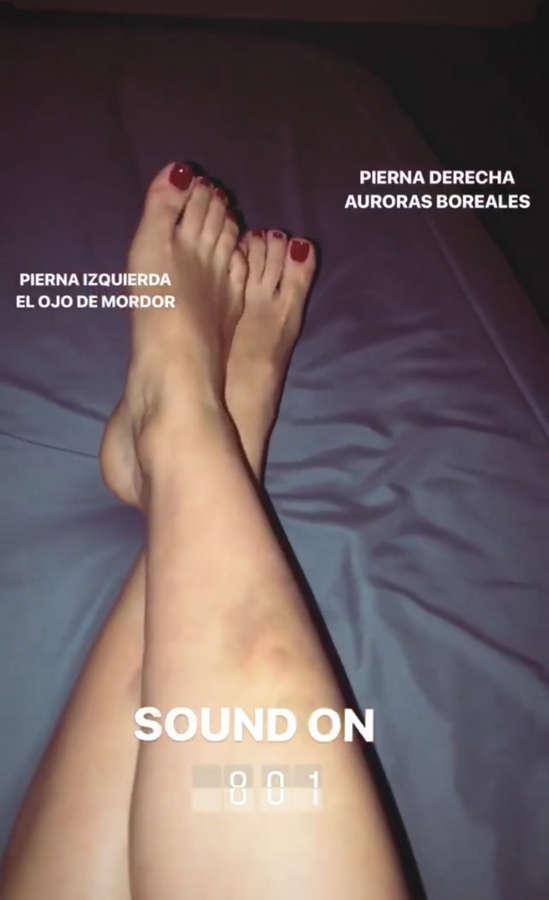 Karla Farfan Feet