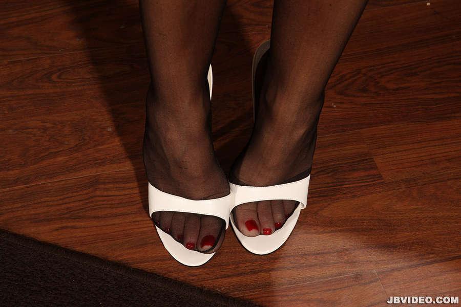 Sophia Ferrari Feet