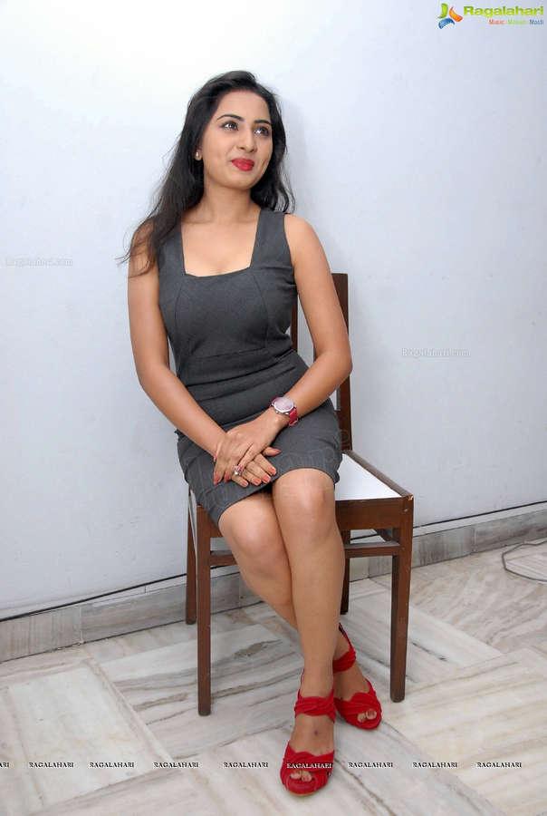 Srushti Sakolkar Feet