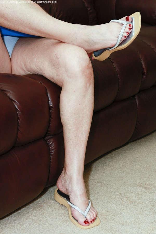 Linda Les Feet