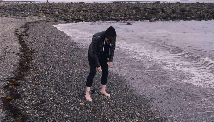 Emma Ruth Rundle Feet
