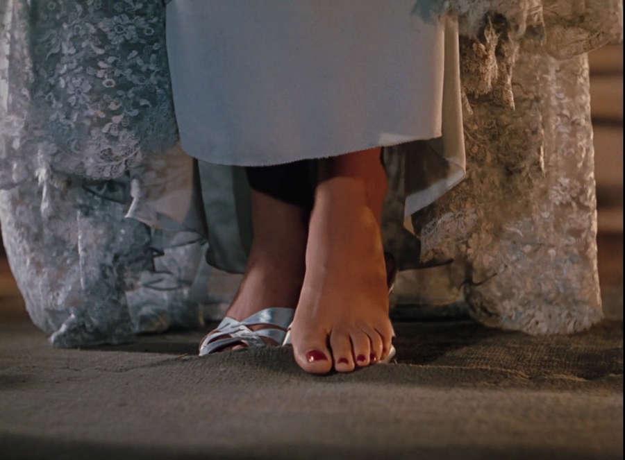 Gene Tierney Feet
