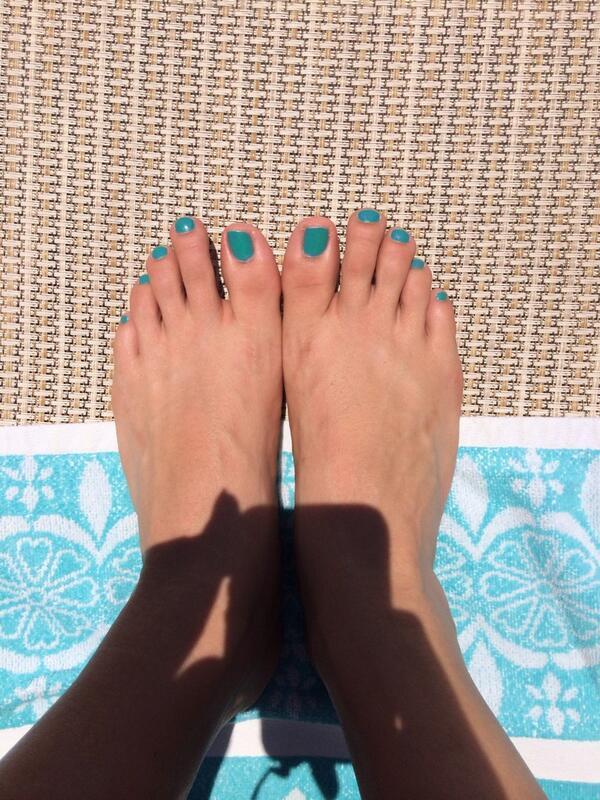 Kenna Valentina Feet