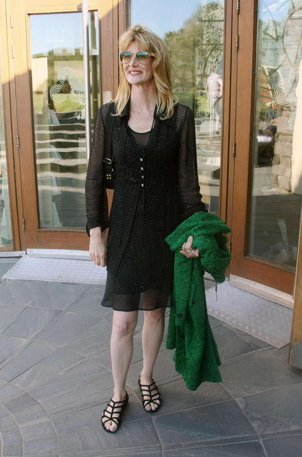 Laura Dern Feet