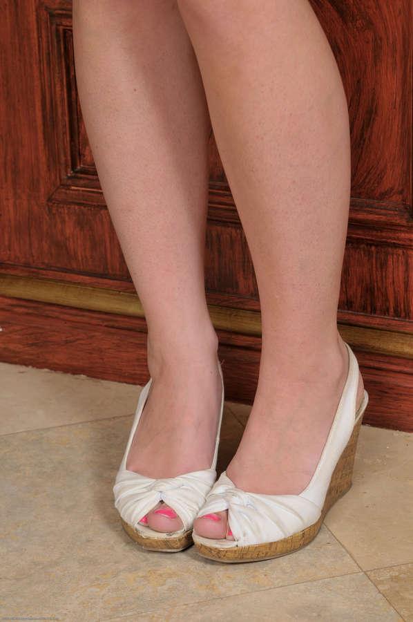 Talia Palmer Feet
