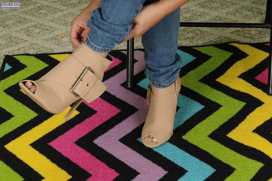 Aria Spencer Feet