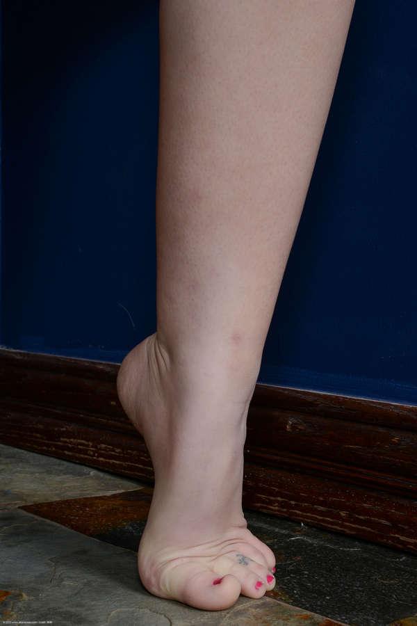 Aubrey James Feet