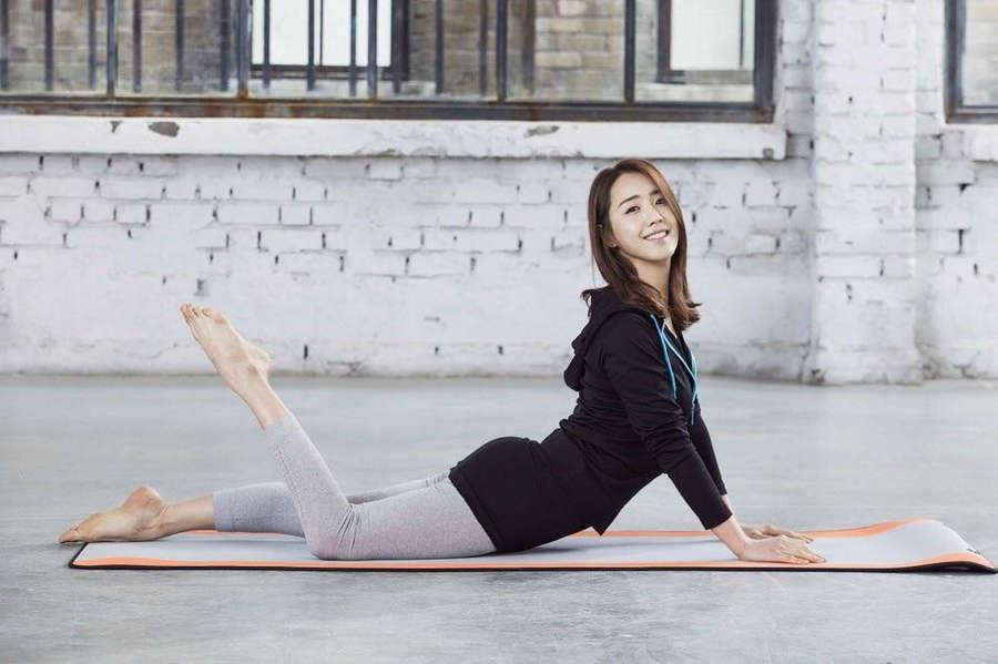 Lee Ji Ah Feet
