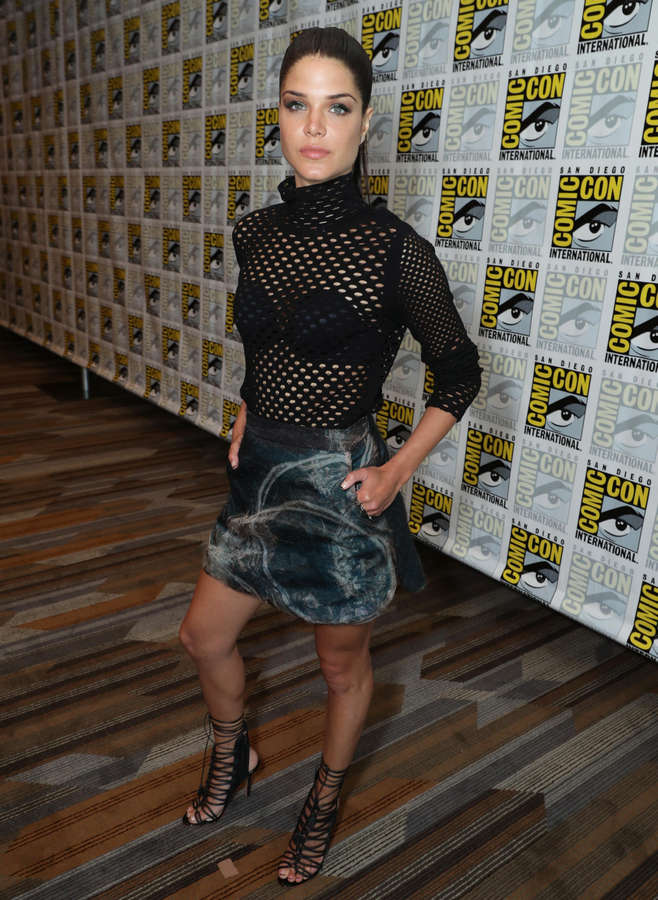 Marie Avgeropoulos Feet