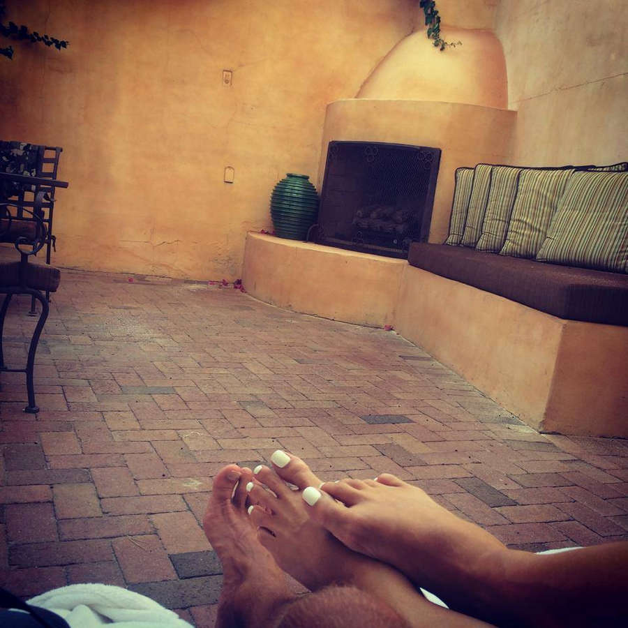 Gena Lee Nolin Feet