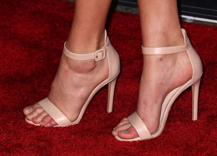 Samara Weaving Feet
