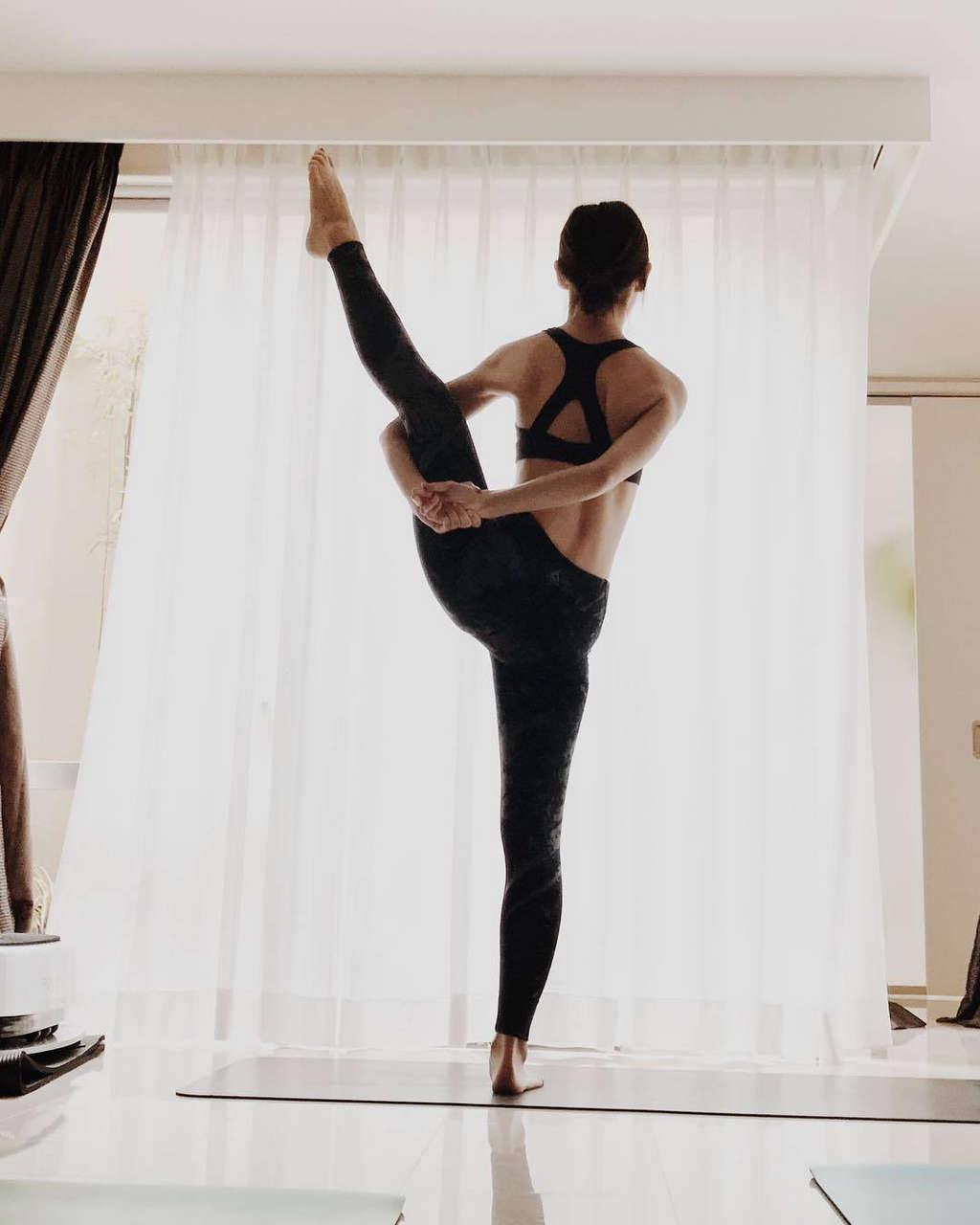 Yukari Taki Feet
