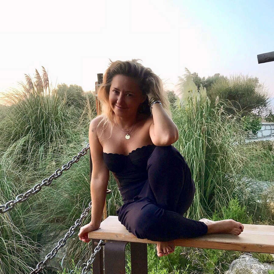 Pinar Aylin Feet