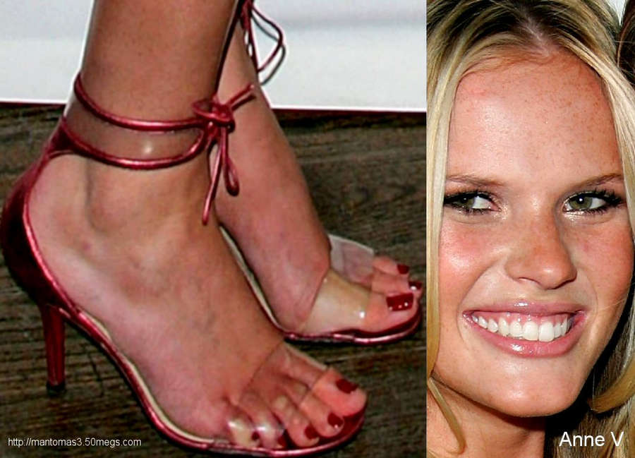 Anne Vyalitsyna Feet