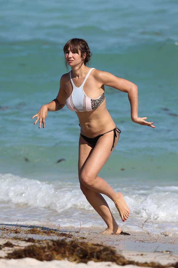Jackie Cruz Feet