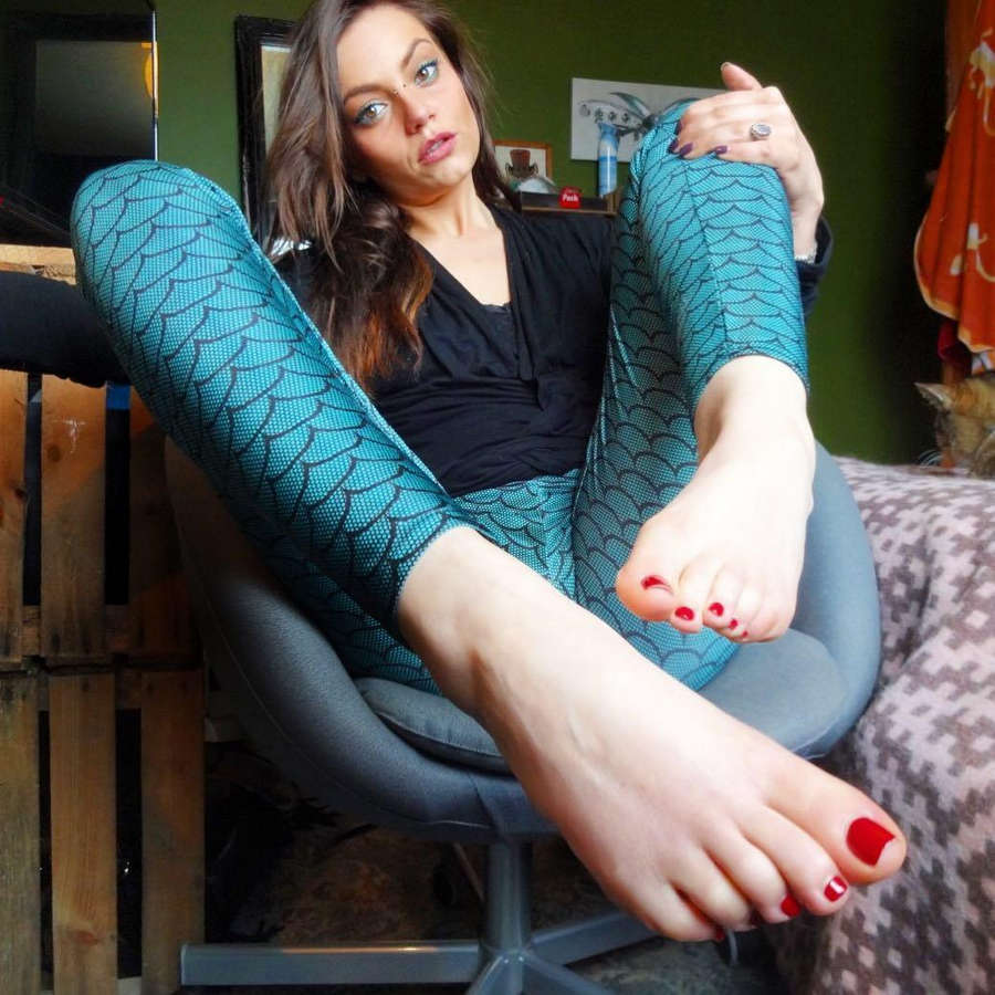 Nikky French Feet