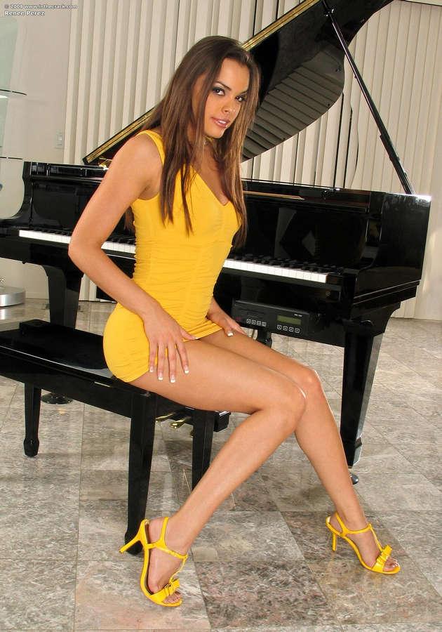 Renee Perez Feet