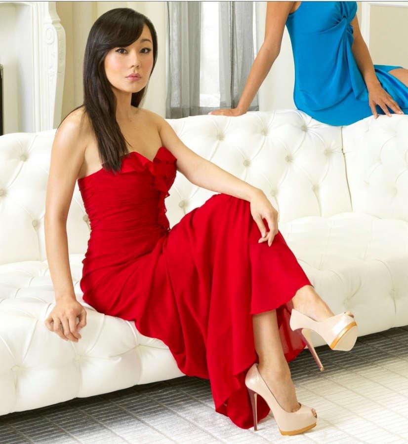 Yunjin Kim Feet