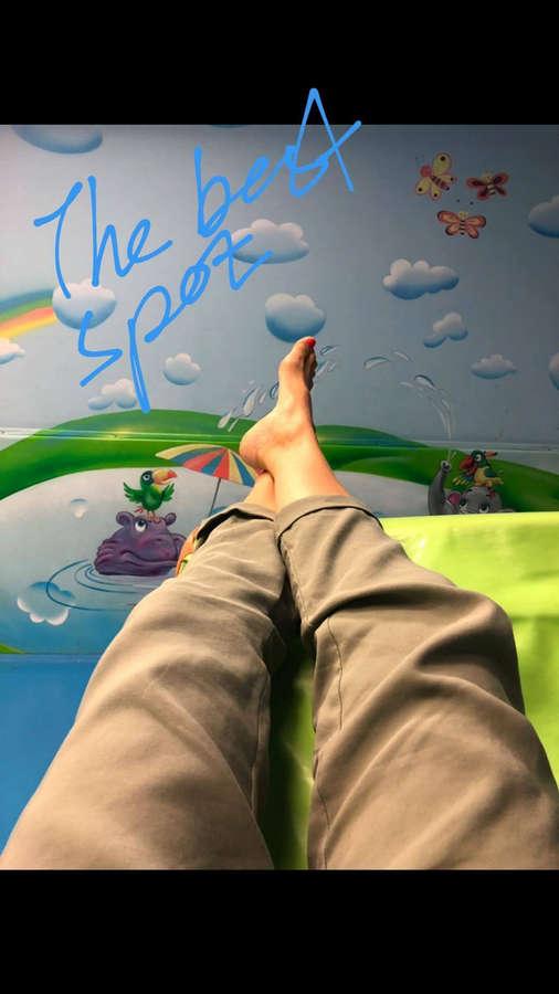 Adi Himmelbleu Feet