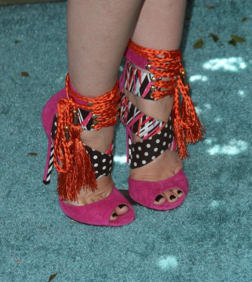 Jodie Sweetin Feet
