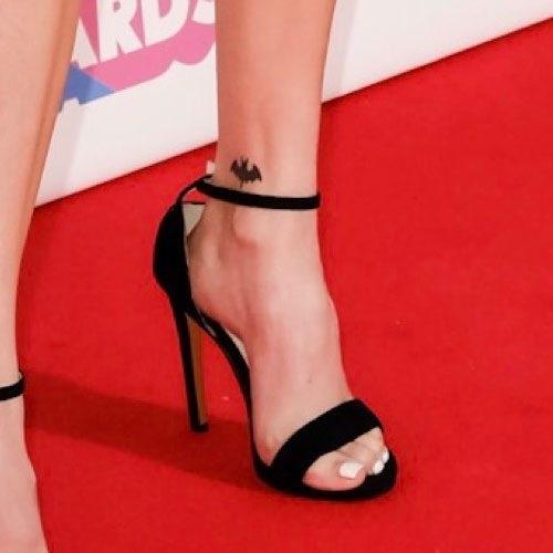 Maggie Lindemann Feet