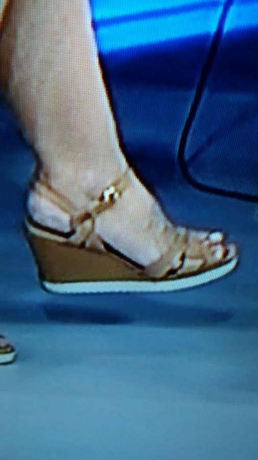 Mariana Gross Feet
