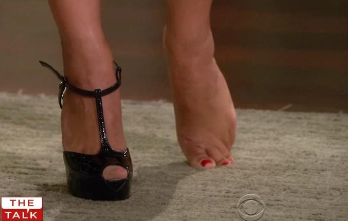 Julie Chen Feet