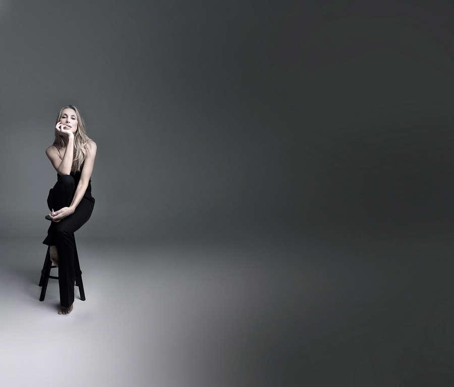 Natalia Safran Feet