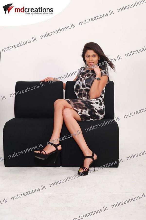 Oshadi Himasha Chavindi Feet