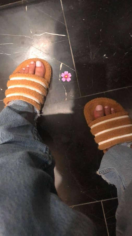 Imaan Hammam Feet