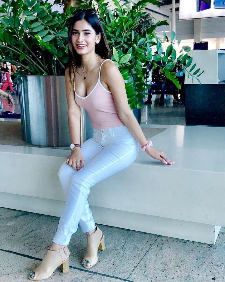 Karishma Sharma Feet